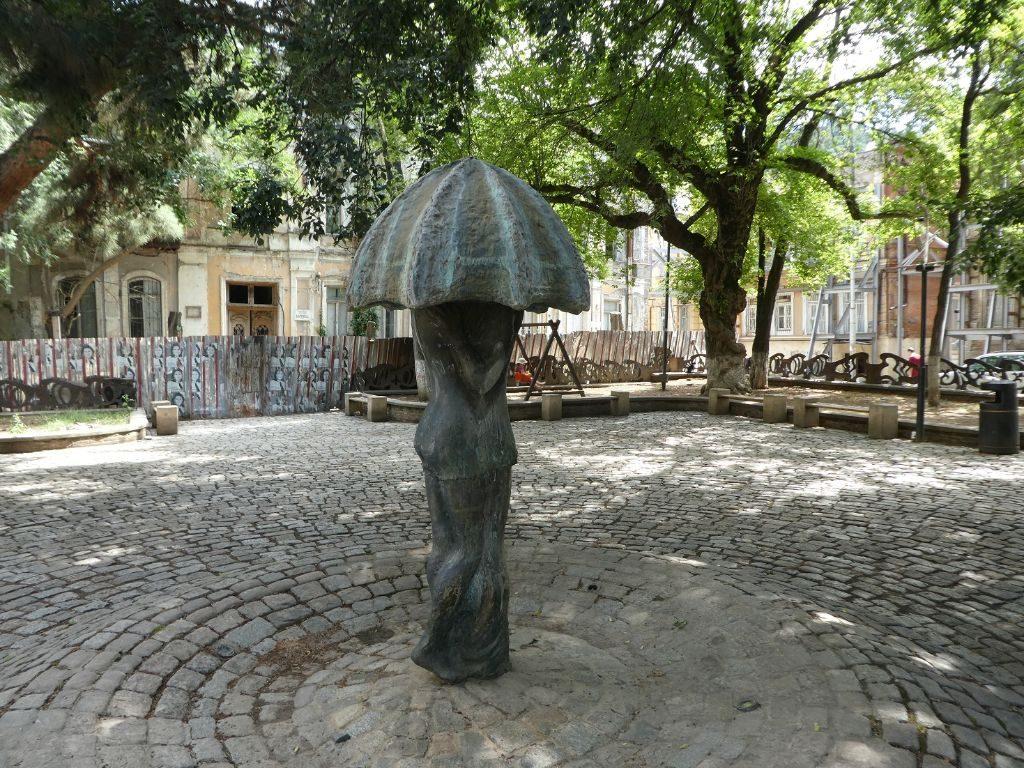 Gudiashvili Square Tiflis Regenschirm Statue