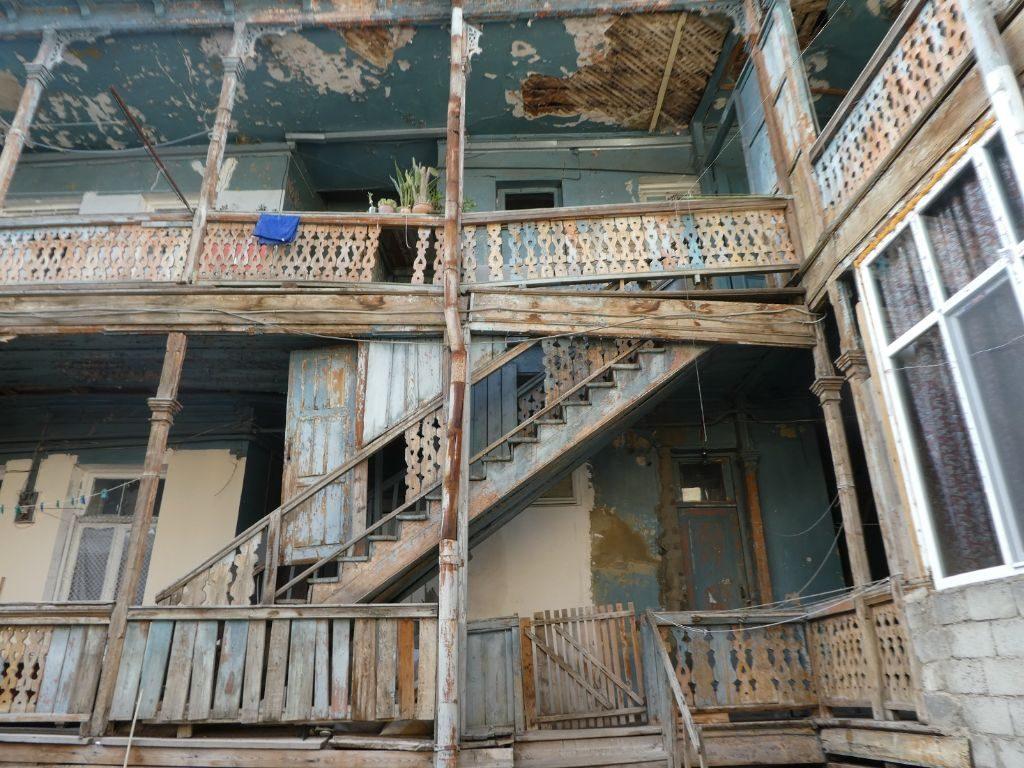 Tiflis zerfallene Altstadt Haus